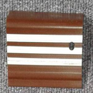stepnosing karet coklat garis putih