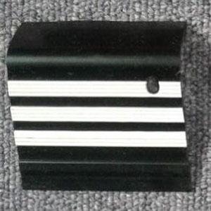 stepnosing karet hitam garis putih